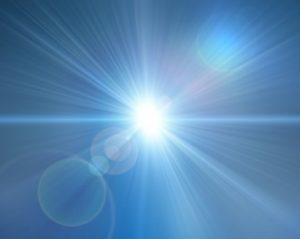 sinar-dari-cahaya-matahari-di-siang-hari